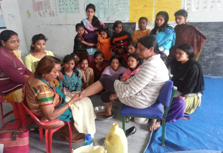 helping women to learn a skill